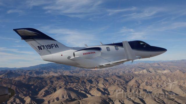 Honda HondaJet (N719FH) - Formation flight over Mojave.