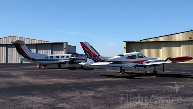 Cessna 310 (N90FC) - N90FC and N5SY Dispactiong for Medevac from KBNA