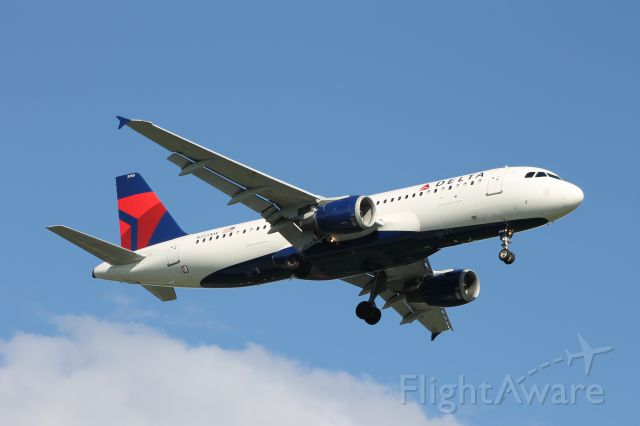 Airbus A320 (N355NW)