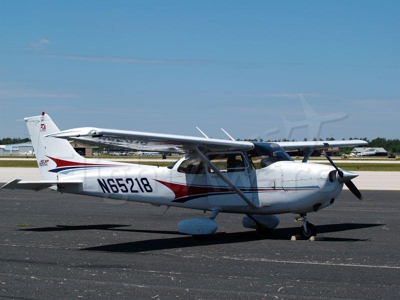 Cessna Skyhawk (N65218)