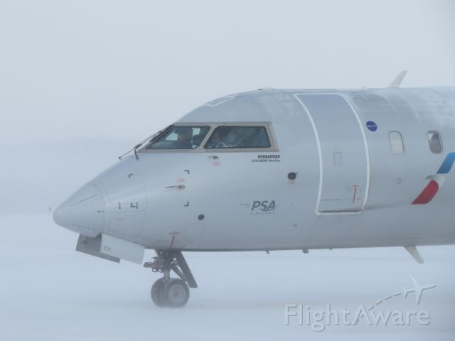 Canadair Regional Jet CRJ-900 (N571NN) - Whiteout