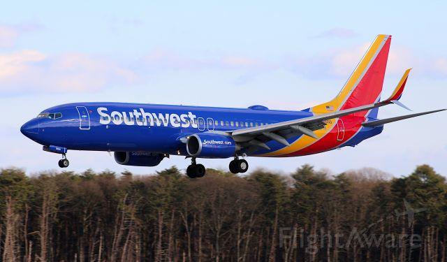 Boeing 737-800 (N8655D) - On short final for runway 33L...inbound from Ft. Lauderdale.
