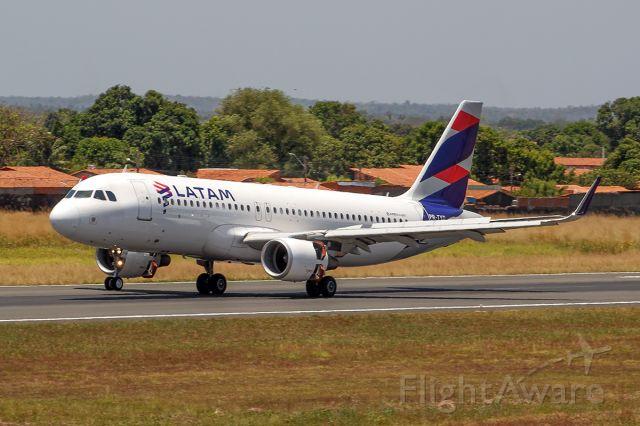 Airbus A320 (PR-TYD)