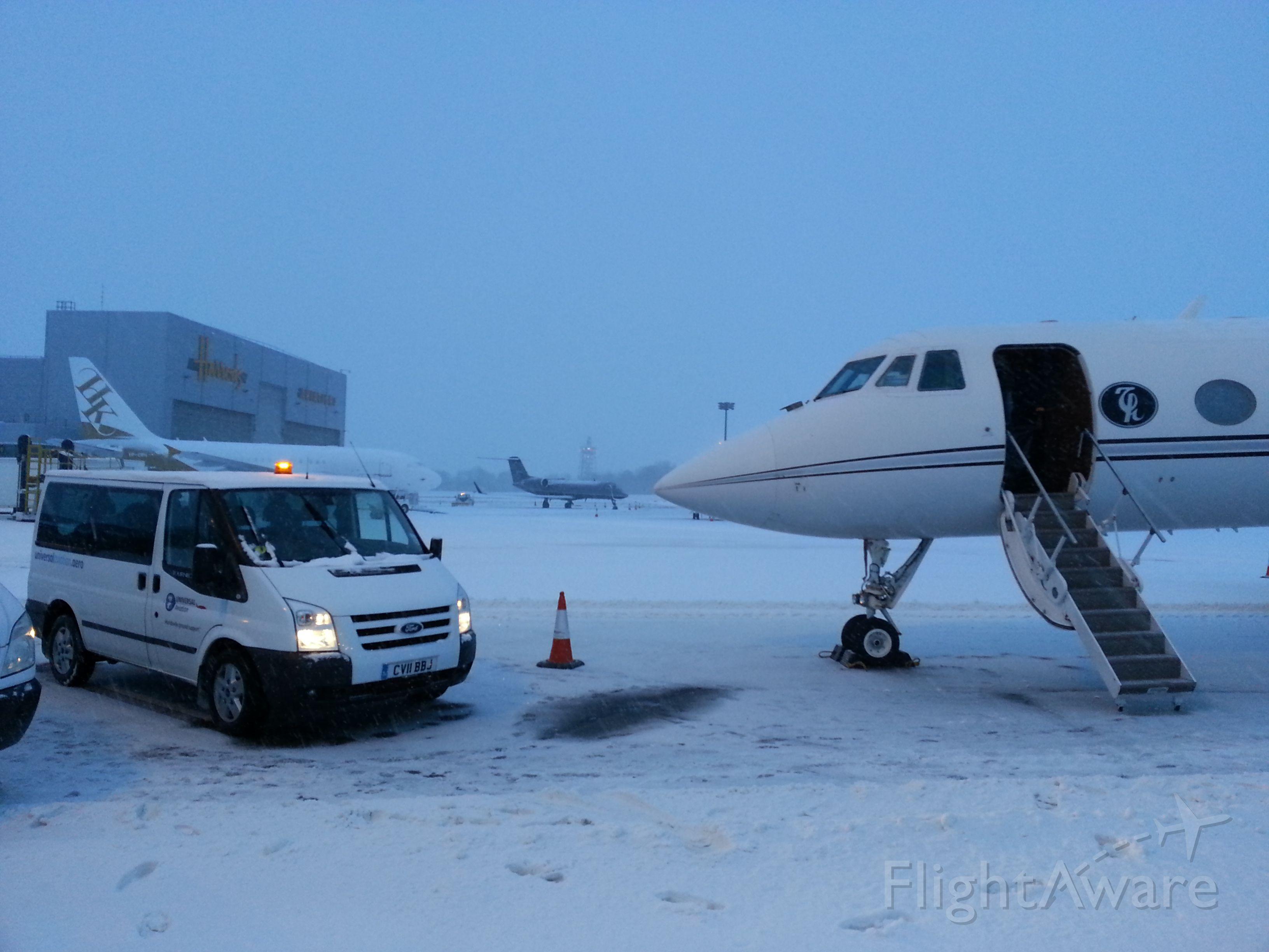 Gulfstream American Gulfstream 2 (HZ-HA1) - My caption: it was f*&%^ng freezing.