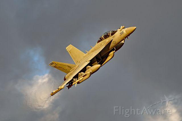 McDonnell Douglas FA-18 Hornet (16-6936)