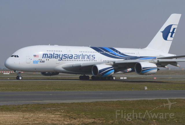 Airbus A380-800 (9M-MNF) - taxiway pour take-off 09Dbr /03/04/2013br /Sticker 100eme