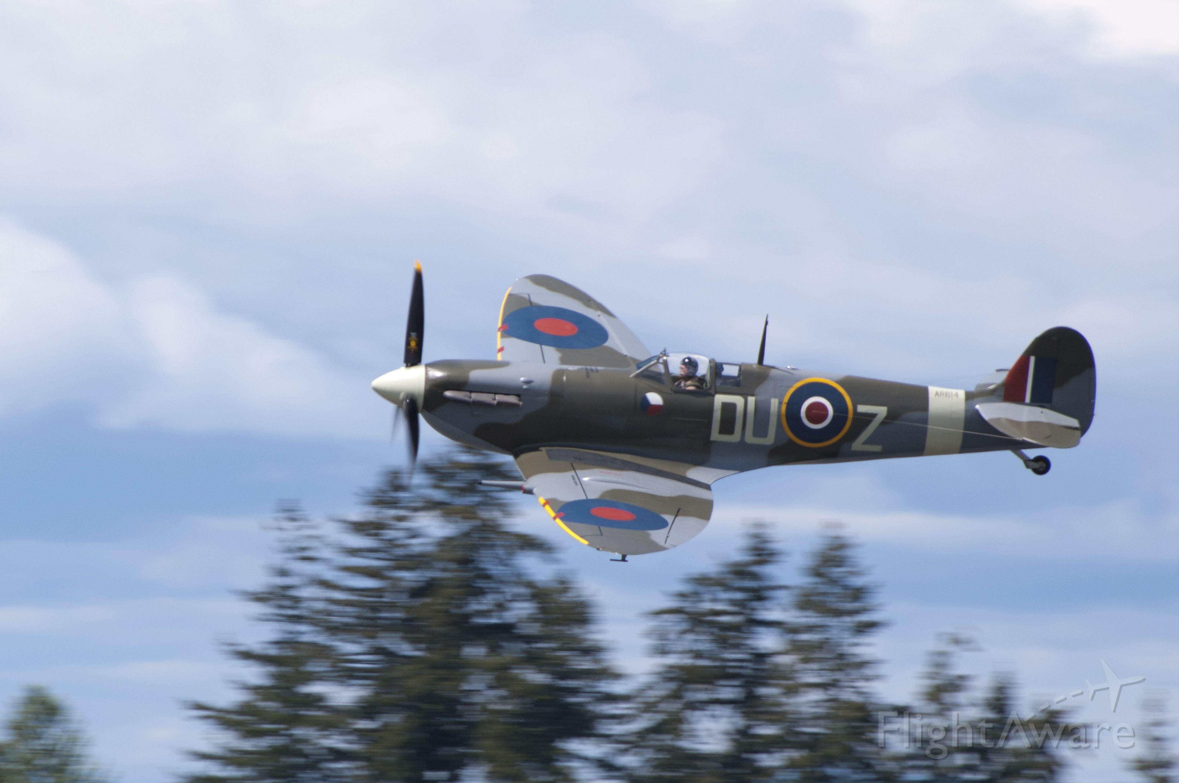 SUPERMARINE Spitfire (NX614VC)