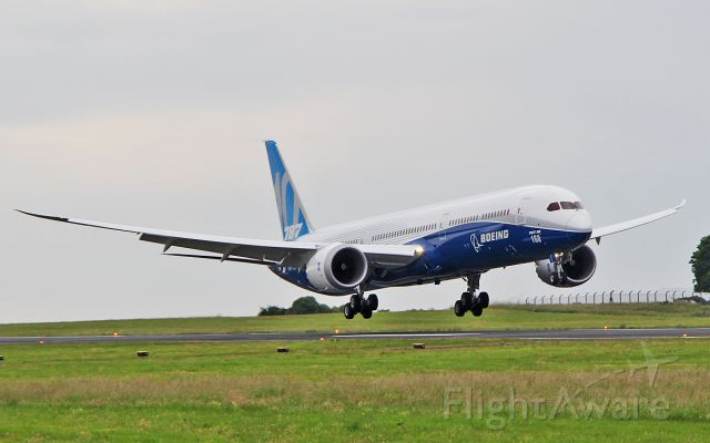 """Boeing 787-9 Dreamliner (N528ZC) - """"boe 001"""" b787-10 n528zc about to land at shannon on a fuel stop from the paris air show 20/6/17."""