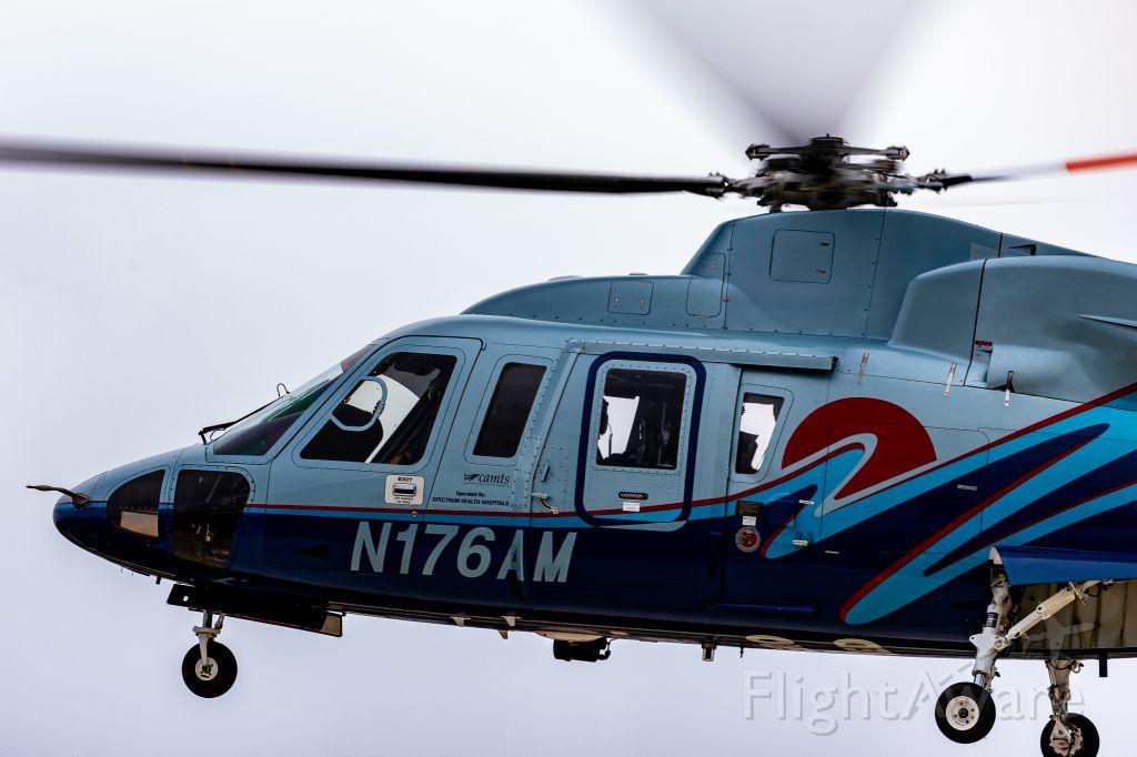 Sikorsky S-76 (N176AM)