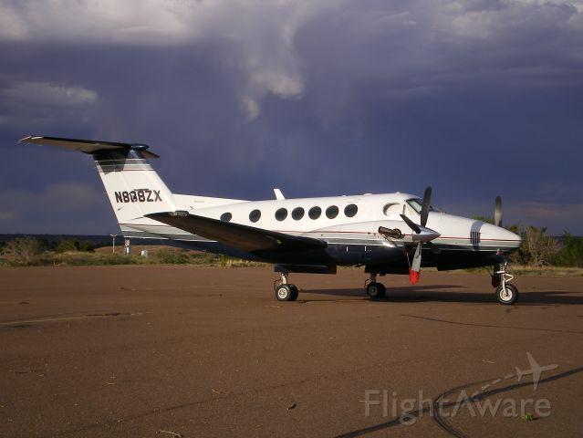 Beechcraft Super King Air 200 (N888ZX)