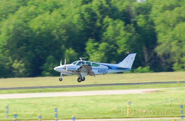 Beechcraft 55 Baron (N8BU)