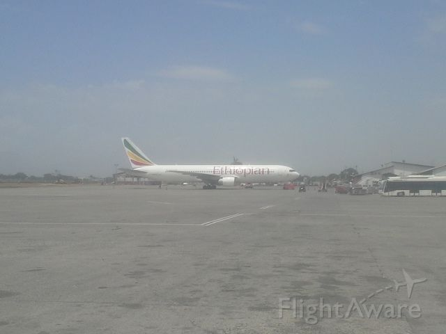 Boeing 777-200 — - 777 at PAP