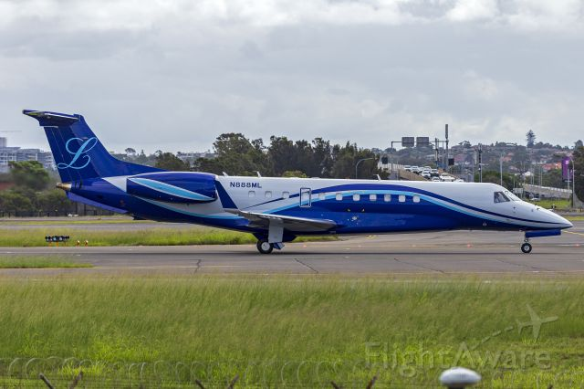 Embraer Legacy 600/650 (N888ML) - New Macau Landmark Management (N888ML) Embraer EMB-135BJ Legacy taxiing at Sydney Airport.