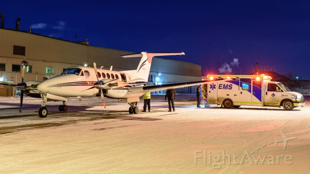 Beechcraft Super King Air 200 (C-FAXD) - Another late night dispatched medevac flight from Calgary. Flown by Integra Air / Bar XH Air