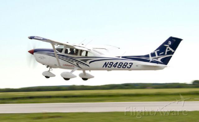 Cessna Skylane (N94883)