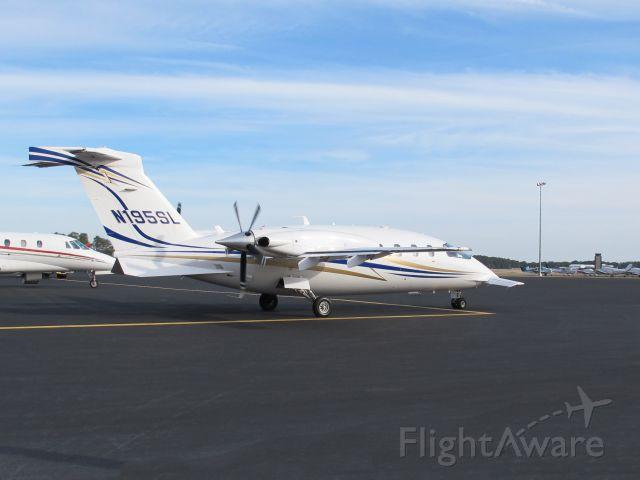 Piaggio P.180 Avanti (N195SL) - The fastest turboprop in the market. Jet speeds at TP fuel flows.