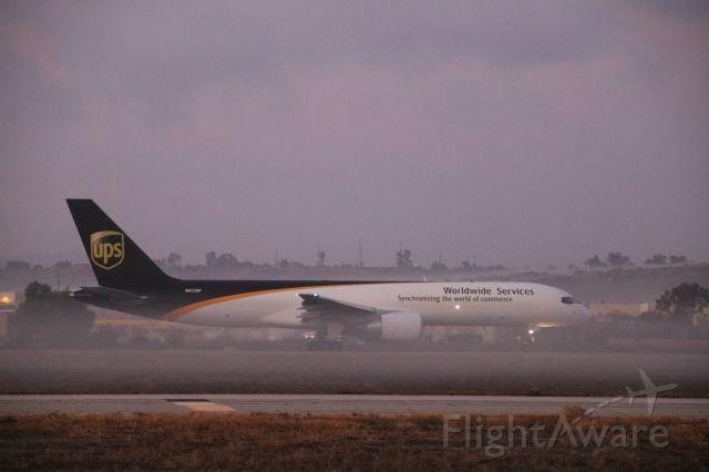 Boeing 757-200 (N422UP)
