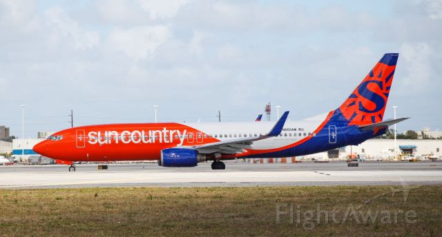 Boeing 737-800 (N860AM) - First photo in the Sun Country colors. This airplane used to be operated by Aeroméxico.