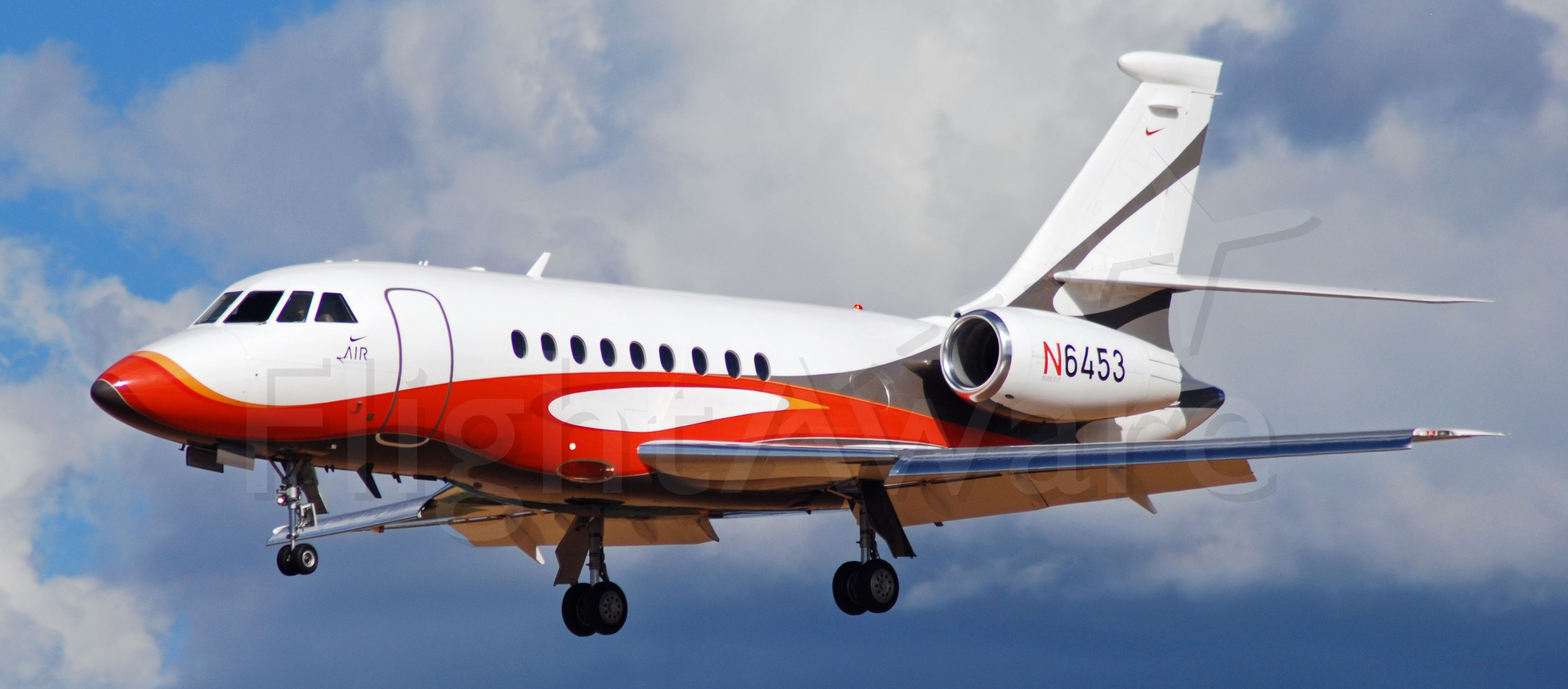 Dassault Falcon 2000 (N6453) - Nike Falcon on Final for Portland-Hillsboro Airport