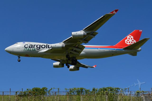 Boeing 747-400 (LX-TCV) - NRT16L↓