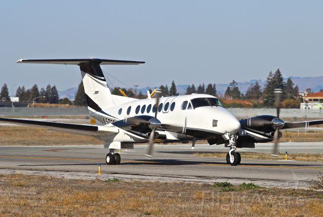 Beechcraft Super King Air 350 (N575RD)