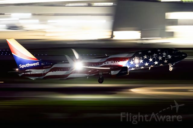Boeing 737-800 (N500WR) - 'Freedom One' departing Love for Tulsa on WN's 50th anniversary.