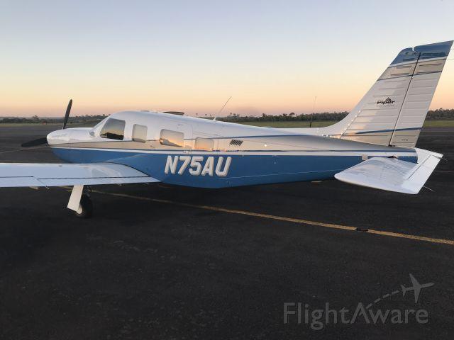 Piper Saratoga (N75AU)