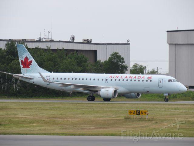 Embraer ERJ-190 (C-FNAN)