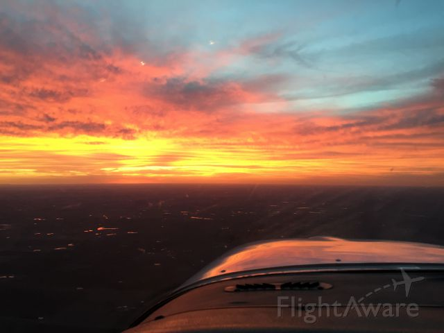 Cessna Cardinal (N18739) - Fly over state Sunset