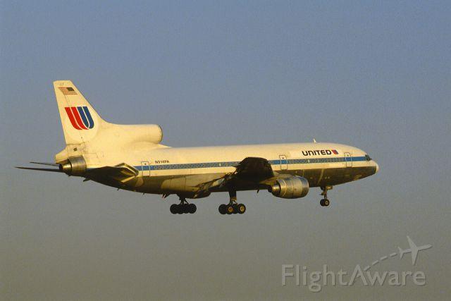 Lockheed L-1011 TriStar (N514PA) - Final Approach to Narita Intl Airport Rwy16 on 1986/03/09