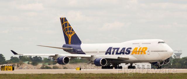 Boeing 747-400 (N465MC) - WOOHOOO!!! Finally gonna get me some GOOOOOOD up close pics of an Atlas Air Pax blue tail.
