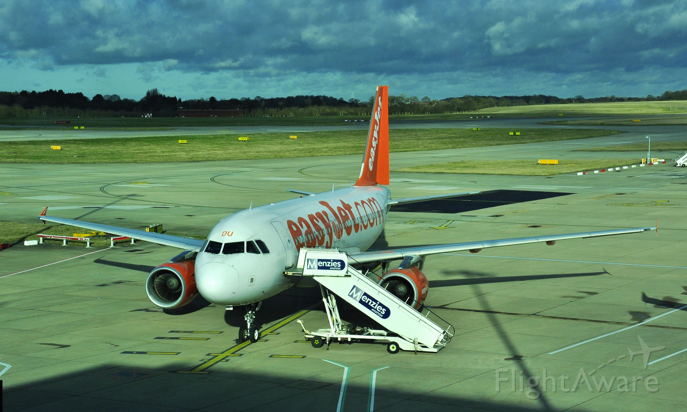 Airbus A319 (G-EZDU) - EasyJet Airbus A319-111 G-EZDU in London Stansted