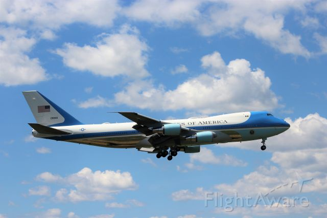 Boeing 747-200 (N28000) - Seconds from touch down on Runway 36 Austin Straubel Field Green Bay.br /br /President Trump visiting Fincanteri Shipyard Marinette, WI - awarded a major contract to build 10 ships of the US Navy's next Guided Missile Fast Frigate design.
