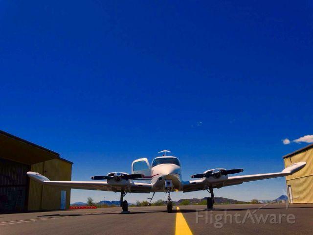 Cessna 310 (N7742Q)