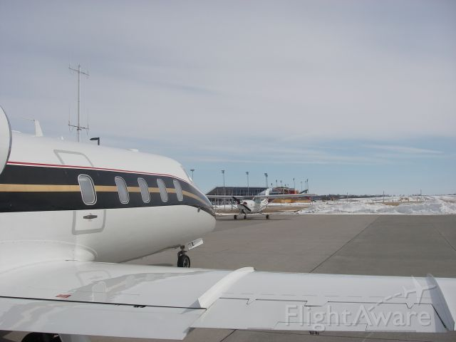 Learjet 55 (N619MJ) - FUEL STOP. KTEB-KSUN