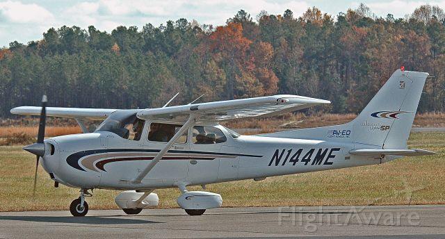 Cessna Skyhawk (N144ME)