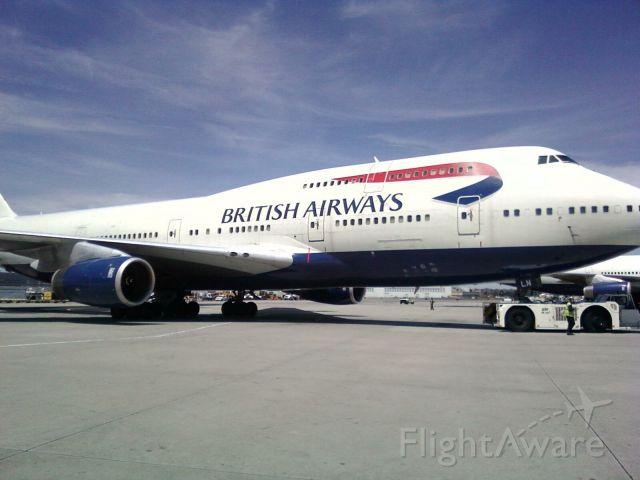— — - Boeing 747-400