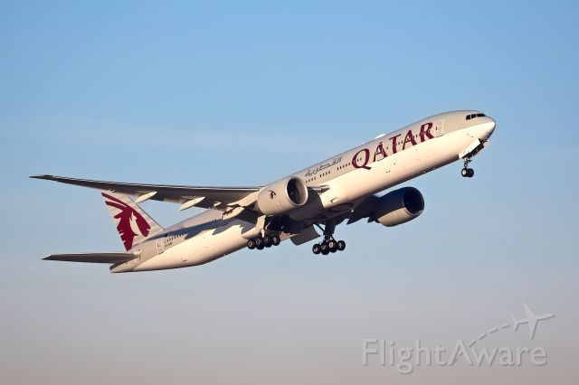 BOEING 777-300 (A7-BEF)