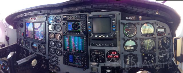Piper Cheyenne 2 (N225PT)