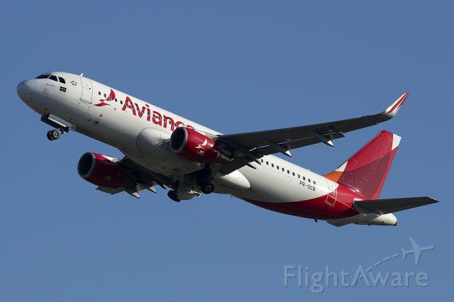 Airbus A320 (PR-OCB)