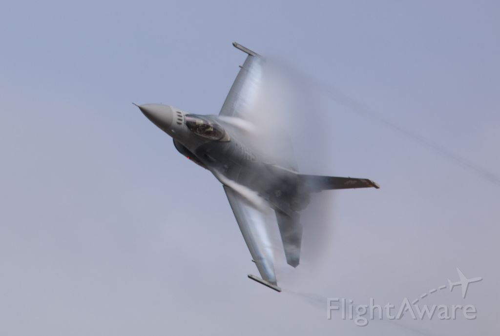 Lockheed F-16 Fighting Falcon — - 2018 Valiant Air Command Air Show