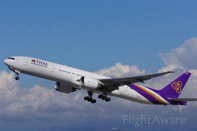 BOEING 777-300 (HS-TKL)