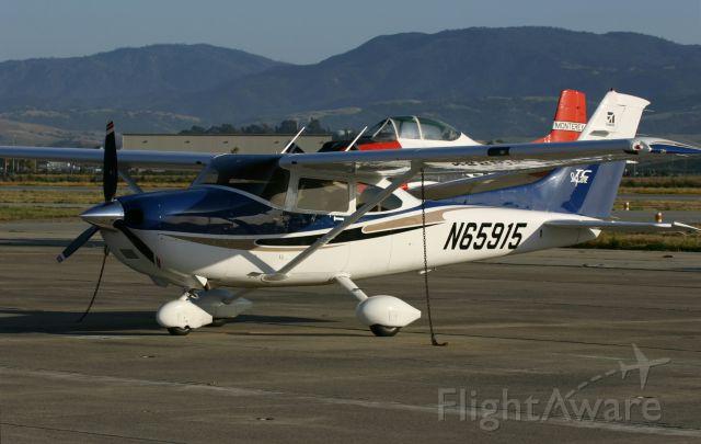 Cessna Skylane (N65915) - KCVH - T182 Skylane at Hollister,CA June 8th, 2005 during the Collings Foundation B-17 & B-24 west coast tour flight weekend.
