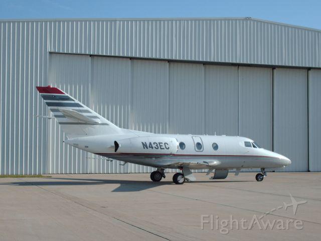 Dassault Falcon 10 (N43EC)