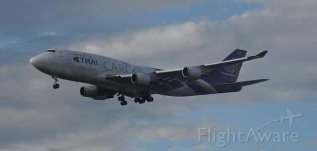 Boeing 747-200 (HS-TGJ) - mr. one-star ... this plane is dirty not blurry