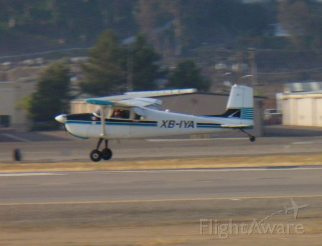 Cessna Skywagon (XB-IYA) - A regular visitor from Mexico puts it down on 27L.