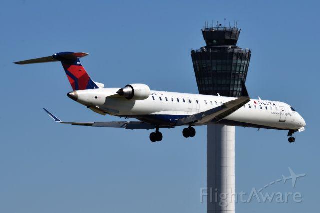 Canadair Regional Jet CRJ-900 (N602LR) - 5-R 06-22-21