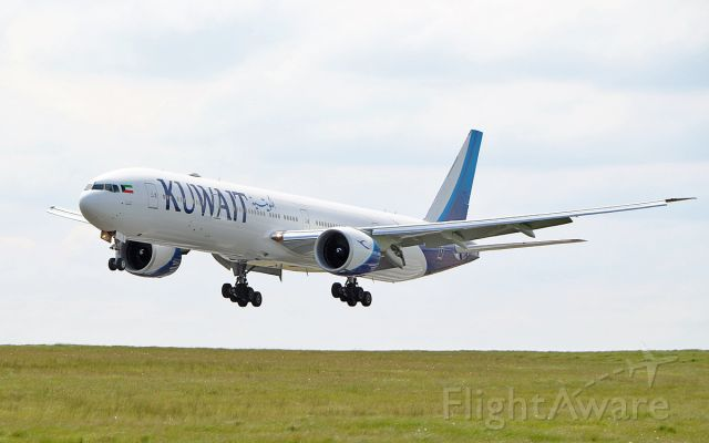 BOEING 777-300 (9K-AOH) - kuwait b777-369er 9k-aoh about to land at shannon 5/5/17.