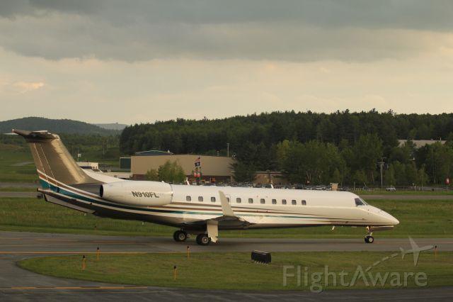 Embraer ERJ-135 (N910FL)