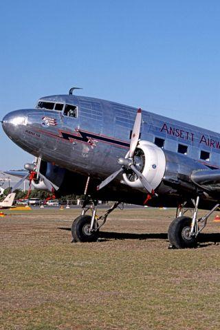 Douglas DC-3 (VH-ABR) - ANSETT AIRWAYS - DOUGLAS DC-3-G202A - REG VH-ABR (CN 2029) - PARAFIELD AIRPORT ADELAIDE SA. AUSTRALIA - YPPF 16/2/1996